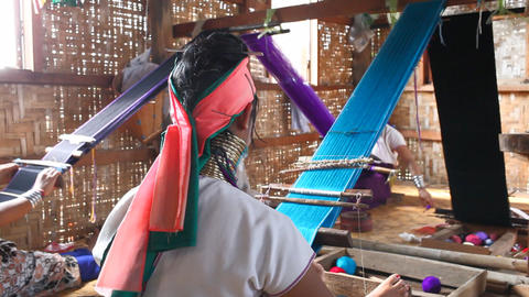 Long neck woman on Inle lake Stock Video Footage