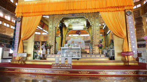 Buddhas inside Phaung Daw Oo pagoda Stock Video Footage