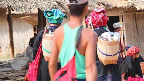Paoh woman shopping at the Taung Tho Market Stock Video Footage