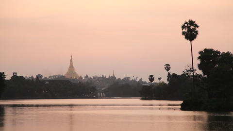 Shwedagon Pagoda sunset Stock Video Footage