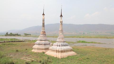 Boat at Takhaung Mwetaw Paya pagoda, Inle lake Stock Video Footage