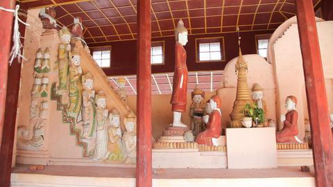 Buddhas in Takhaung Mwetaw Paya pagoda, Inle lake Footage