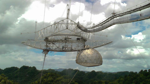 A large radio telescope Stock Video Footage