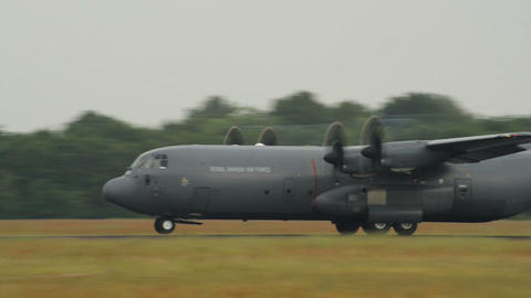 Lockheed C 130 J Super Hercules emergency take off Stock Video Footage