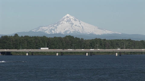Traffic near Portland Oregon with Mt. Hood backgro Stock Video Footage