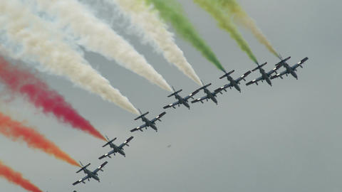 Frecce Tricolori fomation painting the sky 10999 Footage