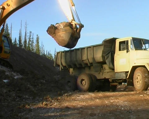 Excavator and truck Stock Video Footage