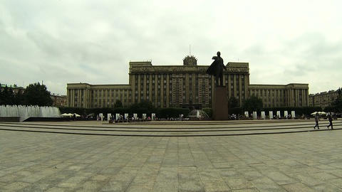 Lenin monument on Moskovska square Stock Video Footage