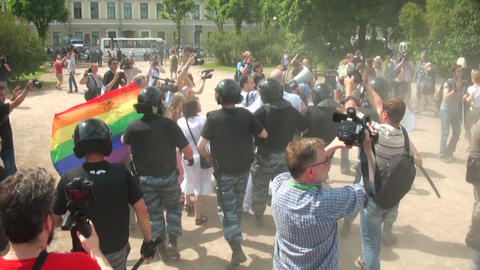 The police dispersed the gay and lesbian Footage