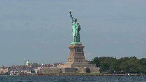 Zoom out from the The Statue of Liberty Stock Video Footage