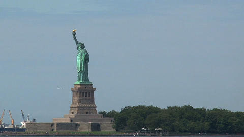 Short zoom in from The Statue of Liberty Stock Video Footage
