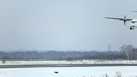 ATR-42 landing Stock Video Footage