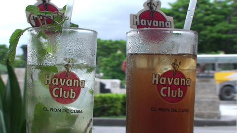Mojito and Cubalibre glass Footage