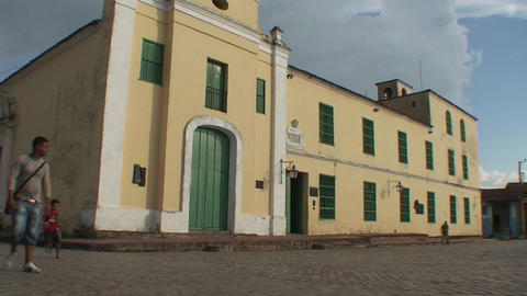 Plaza San Juan de Dios tiltdown panshot Footage