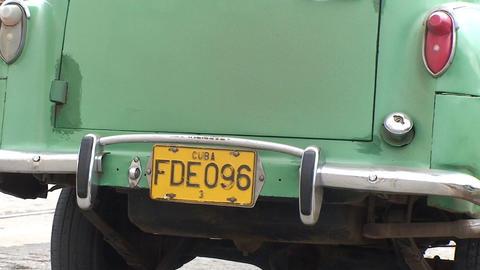 Cienfuegos Oldtimer starts engine en drives away Stock Video Footage