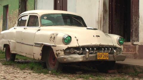 Trinidad Streetview oldtimer 2 Stock Video Footage