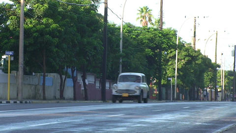 Varadero oldtimer passing by on the street 4 Footage