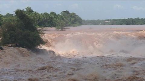Don Khong Phapeng waterfall Footage