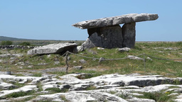 Poulnabrone dolmen 2 Stock Video Footage