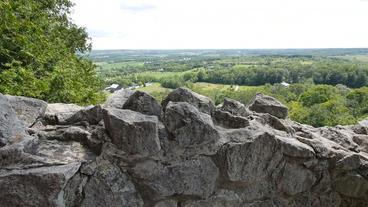 Rattlesnake Point Tilt Over Rocks 00178 Footage