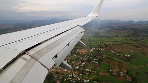 landing approach Stock Video Footage