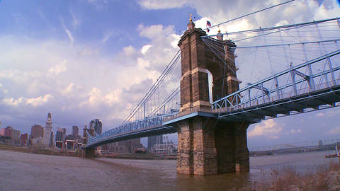 A bridge over the Ohio River leads to Cincinnati O Stock Video Footage