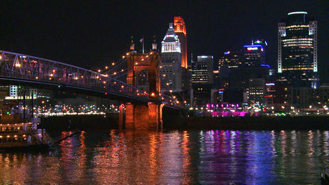 Light reflects off the Ohio River with the city of Stock Video Footage