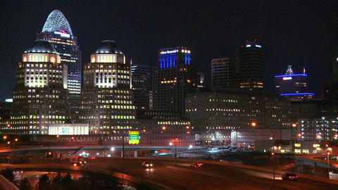 An establishing shot of Cincinnati Ohio at night w Stock Video Footage