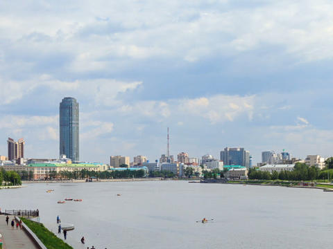 Central pond. Around TV tower. Russia, Ekaterinbur Stock Video Footage