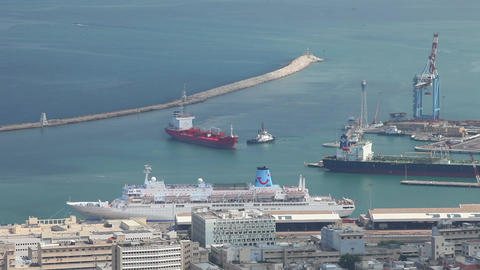 Ship comes into port Stock Video Footage