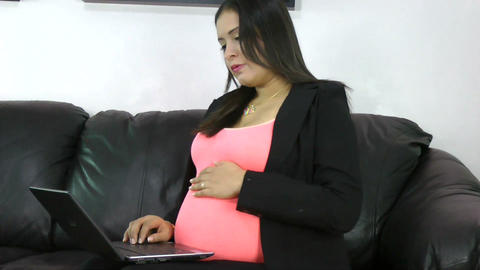pregnant woman working with the notebook Stock Video Footage
