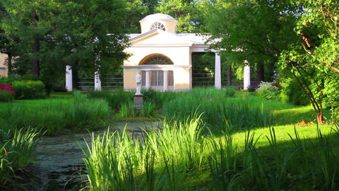 pavilion with sculpture in Pavlovsk park Saint-Pet Stock Video Footage