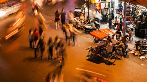 HANOI CYCLO TIME LAPSE - HOAN KIEM, VIETNAM Stock Video Footage