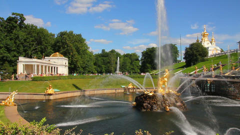 famous petergof Samson fountain in St. Petersburg Stock Video Footage
