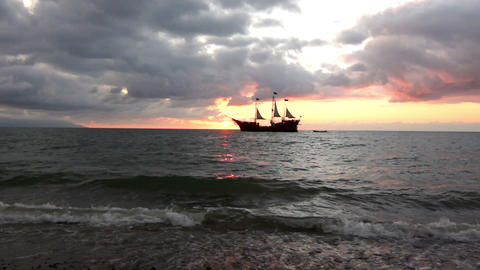 Sailing into the sunset Stock Video Footage