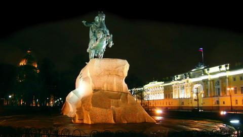 Peter 1 monument at night in Saint-petersburg, Rus Stock Video Footage
