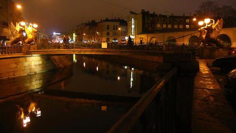 Griffins on Bank Bridge in Saint Petersburg at nig Stock Video Footage