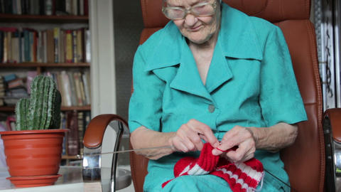 old woman knitting Stock Video Footage