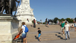 Victoria Memorial and bronze sculpture in front of Stock Video Footage