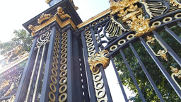 Ceremonial Australia Gate At Buckingham Palace, Lo stock footage