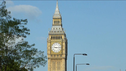 ZOOM OUT VIEW OF BIG BEN, CLOCK TOWER, LONDON, UK. Stock Video Footage