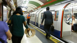 London Tube Arrived At Station And Make Announceme stock footage