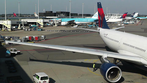 Schipol Airport Amsterdam 8 delta airlines Stock Video Footage