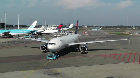 Schipol Airport Amsterdam 10 delta airlines Footage