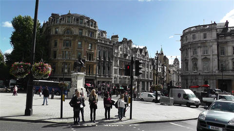 Trafalgar Square London 24 handheld Stock Video Footage