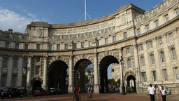 Admiralty Arch, LONDON, UK. (LONDON Admiralty Arch stock footage