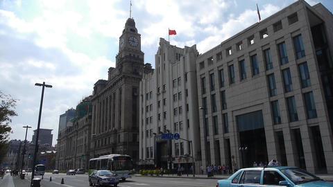 Shanghai bund traffic,old business building Stock Video Footage