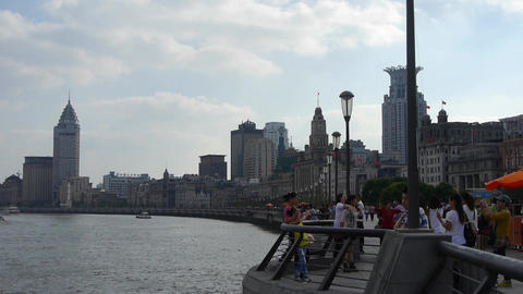 Shanghai Bund,huangpu river waterfront & Tourists crowded Animation