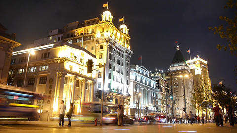 Shanghai bund traffic at night,Brightly lit old-fashioned... Stock Video Footage