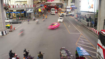 Time Lapse Of Traffic On Ratchadamri Road In Bangk stock footage